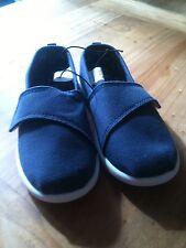 Boys Canvas shoes size UK9 Infant