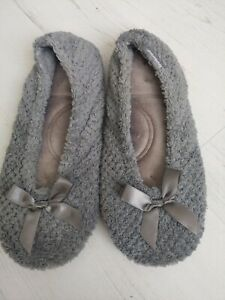 Isotoner Slippers Small