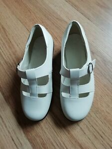 Cosyfeet extra wide fit white shoes size UK 5.5
