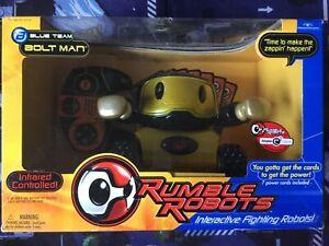 Trendmasters RUMBLE ROBOTS Blue Team BOLT MAN Interactive Fighting Robots! MSIB