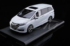 Diecast Car Model Honda Odyssey 1:18 (White)  + GIFT!!