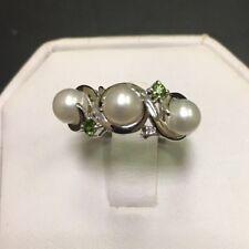 Trio Peridot Birthstone Anniversary Ring Designer Sterling Silver 925 Pearl