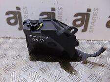 Renault Twingo 1.2 essence 2011 Sous Capot Boîte à Fusibles