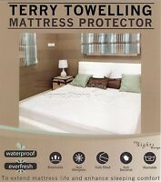 1 Mattress+ 2 Pillow Protector Wet Matress Cover Waterproof Washable 4ft Double