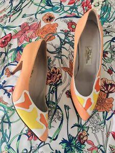 Vintage Renata Eur 37 Uk 4 Italian Made Apricot Orange PatternFront Heeled Shoe