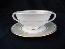 Royal Doulton English Renaissance. Soupe Tasse et soucoupe.