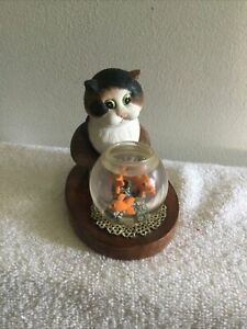 """Comic & Curious Cats Linda Jane Smith """"Spoiled for Choice"""" Goldfish Bowl 109374"""