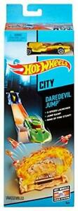 Hot Wheels City - Daredevil Jump Vehicle Playset includes Diecast Model Car