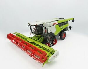 Marge Models Claas Lexion 6900 Combine Terra Trac and Vario 930 1:32 02531470