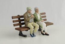 Figurine Sitting Old Couple Set Grandma With Bank 1:18 American Diorama