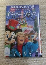 "1995 Mickey's Very Merry Christmas Party 2""x3"" Pin / Pinback Button 160633"