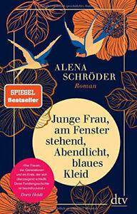 Junge Frau am Fenster stehend, Abendlicht, blaues Kleid - Roman Alena Schröder