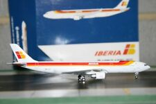 Gemini Jets 1:400 Iberia Airbus A330-300 EC-LUB (GJIBE1275) Die-Cast Model Plane