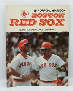 1977 Official Yearbook Boston Red Sox - Second Edition (Pull-out team pictures)