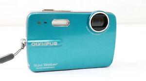 Olympus 550WP ~ 10.0MP 5x Zoom ~ Digital Camera ~ Turquoise ~ Waterproof