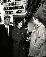 """FIRST LADY JACQUELINE /""""JACKIE/"""" KENNEDY IN PARIS IN 1961-8X10 PHOTO AB-062"""