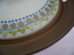 RETRO 1960s VINTAGE NORWAY POTTERY CHINA CASSEROLE DISH and LID FIGGJO GREENS