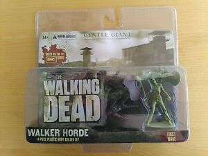 The Walking Dead - Walker Horde (14 Figuren) OVP