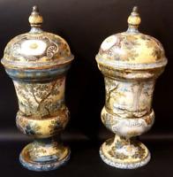 Castelli d' Abruzzo, Coppia di vasi, maiolica, fine XVIII secolo,46×21×21 cm