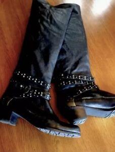 SW STUART WEITZMAN SHARP & SEXY Tall Knee High Black Studded Leather boots 8.5