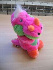 Peluche en forme de dragon colorée en TBE - 17 cm