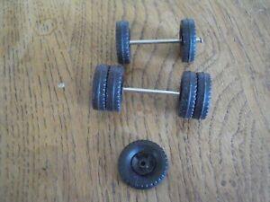 unic multibenne dinky toys  lot de  7 roues et axes