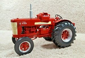2013 Spec Cast 1/16 Scale Diecast International Harvester W450 LP-Gas Tractor WF
