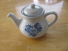 Pfaltzgraff Yorktowne Stoneware Blue White Tea Pot w Lid  FREE SHIPPING