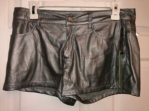 NEW FOREVER 21 Exclusive Designs Silver Metallic Shorts, Juniors Size M