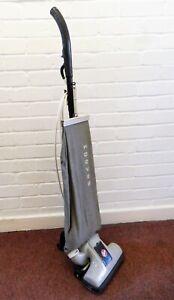 VINTAGE 1940s HOOVER JUNIOR RARE MODEL 375 ORIGINAL STANDING VACUUM CLEANER