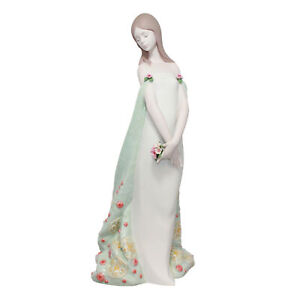 Lladro Figurine: 16848 Alborada, w/ Box