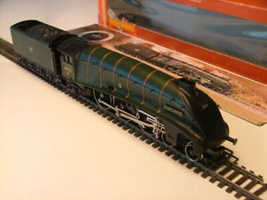 """HORNBY R309 B.R GREEN 4-6-2 A4 CLASS """"MALLARD"""" 60022 - NEW UNUSED MINT BOXED"""