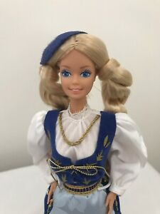 Barbie collector doll ICELANDIC DOTW 1986