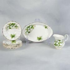 """7 PIECES OF ROYAL ALBERT """"TRILLIUM"""" - SMALL TRAY, CREAMER & 5 SMALL DISHES"""