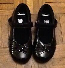 Girls Clarks Black Patent Leather Shoes Size 8 D  ( Very Slim )