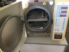 Dental X DOMINA Plus B Autoklav Sterilisator Baujahr 2006 bis 135 Grad Klasse B