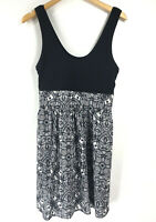 Express Womens size 10 Black White Dress Pockets Fit and Flare Sleeveless