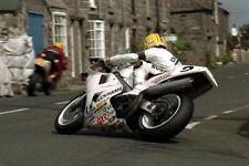 Joey Dunlop un-firmato 12x8 GLOSSY PHOTO. IOM TT. UGP. MOTO GP.