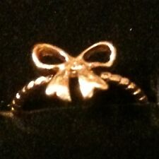 "Beautiful Dainty ""Take A Bow"" Ring Gold tone ✦ Size 6 Love Notes ✦ FREE SHIPPING"