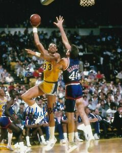 Kareem Abdul-Jabbar Autographed Signed 8x10 Photo ( HOF Lakers ) REPRINT