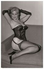 Sexy BARBARA PAULINE actress Modern PIN UP PHOTO postcard - RWP 2003 (01)