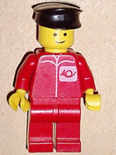 LEGO - MINIFIGURE - CLASSIC TOWN - Post Office - Red Legs, Black Hat POST005