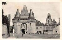 LA FERTE-BERNARD - Porte de Ville et Eglise Notre-Dame