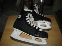 CCM Champion 90 Size 5 Ice Hockey Skates Youth