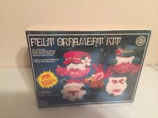 Vintage HOLIDAY INDUSTRIES FELT CHRISTMAS ORNAMENT KIT 1978
