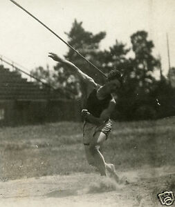 ANTIQUE AMERICAN JAVELIN THROWER ARTISTIC ATHLETE MUSCLES ACTION SNAPSHOT PHOTO