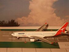 "QANTAS A330-200 1990's Colors ""City Flyer""  1:400 JET-X / Dragon Model #55575"