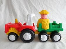 Fisher Price Little People TOW N PULL TRACTOR Wagon Pop Up Pig in Haystack 2007