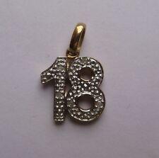 9ct GOLD 0.2ct Diamante Juego 18 COLGANTE DE CUMPLEAÑOS 0.86g