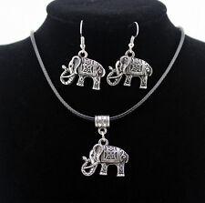 Conjunto de collar y pendientes de Elefantes de la suerte en plata tibetana